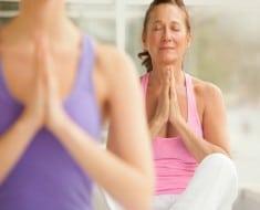 yoga-menopausia-euroresidentes