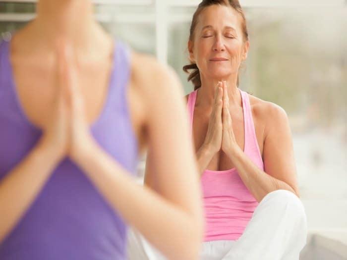 Yoga para aliviar los síntomas de la menopausia