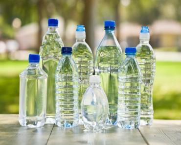 ¿Cuántas veces se pueden rellenar las botellas de agua de plástico?