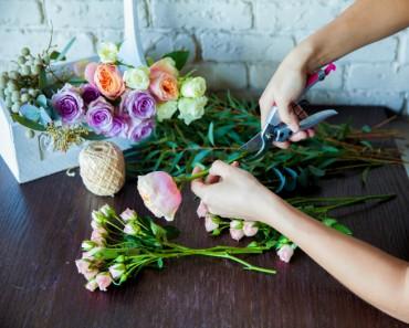 Arreglar ramos de flores