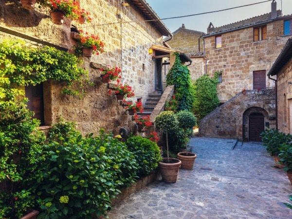 8 cosas que no nos dicen cuando compramos una casa antigua for Decoracion de casas antiguas