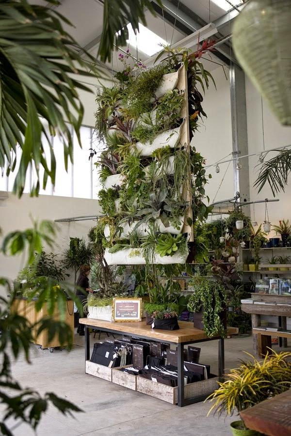 20 ideas sorprendentes para hacer jardines verticales en - Maceteros para arboles ...