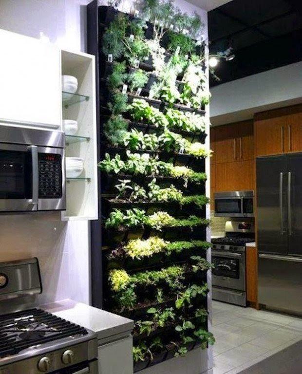 20 ideas sorprendentes para hacer jardines verticales en for Casas decoradas con plantas naturales