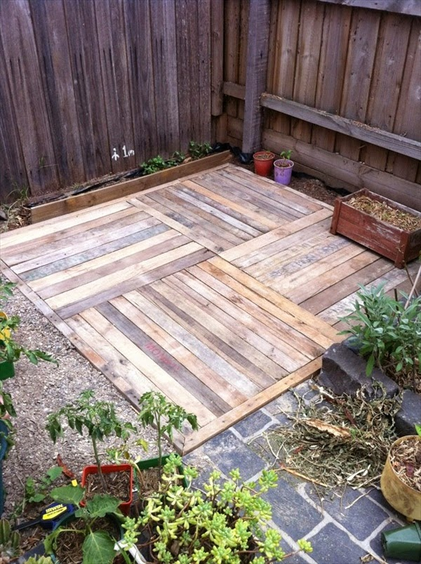 Palets formas ingeniosas de reutilizarlos decoracion en - Palets decoracion jardin ...