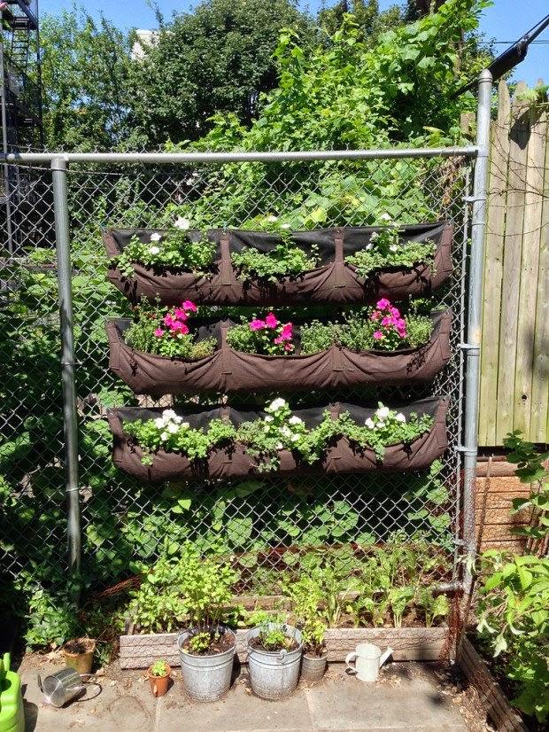 20 ideas sorprendentes para hacer jardines verticales en - Plantas para vallas ...