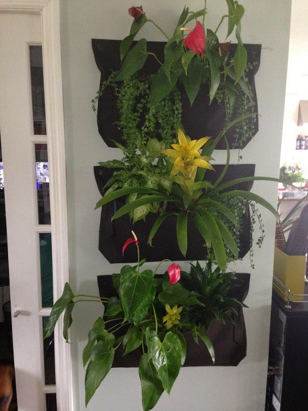 20 ideas sorprendentes para hacer jardines verticales en - Como hacer maceteros grandes ...