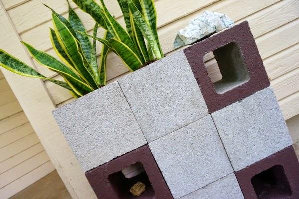 Ideas para decorar con bloques de hormig n decoracion en - Como decorar un muro de hormigon ...