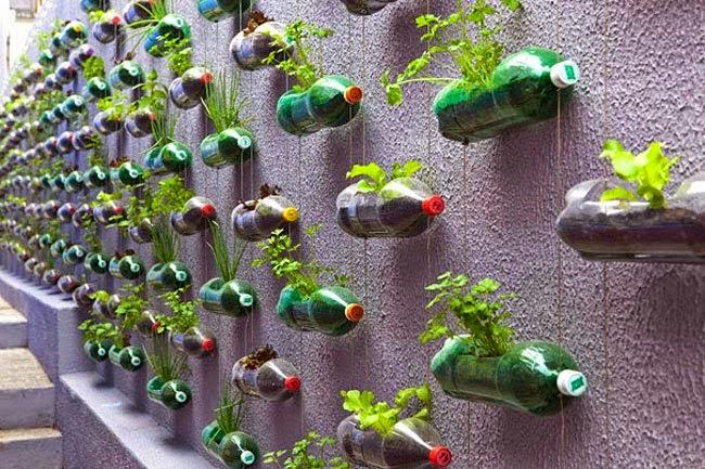 ideas para jardines de casa Ideas Para Decorar Reciclando Decora Tu Casa Con Botellas