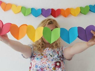 guirnaldas papel corazones colores
