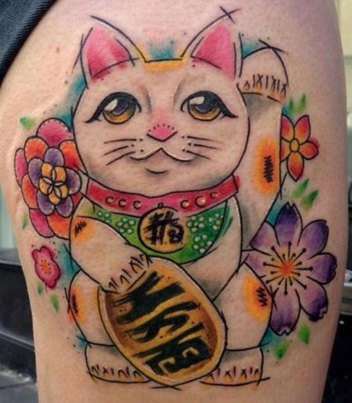 Maneki neko tatuaje
