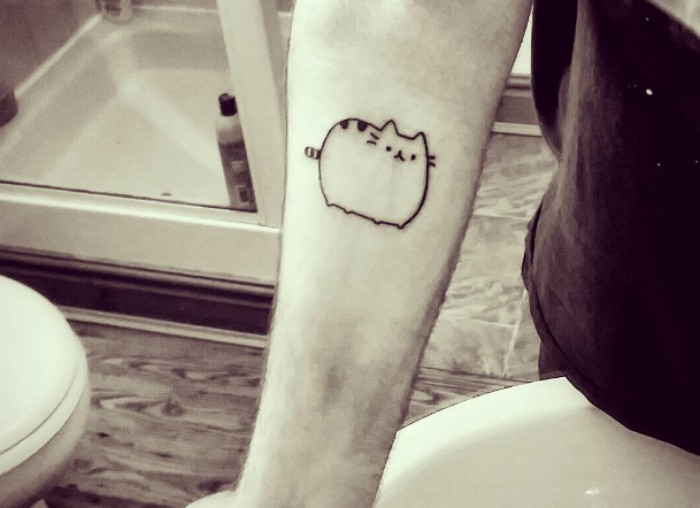 Pusheen tatuaje