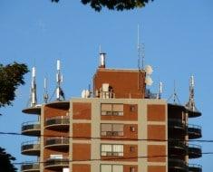 201406-Antenas-azoteas-edificios-1024x768