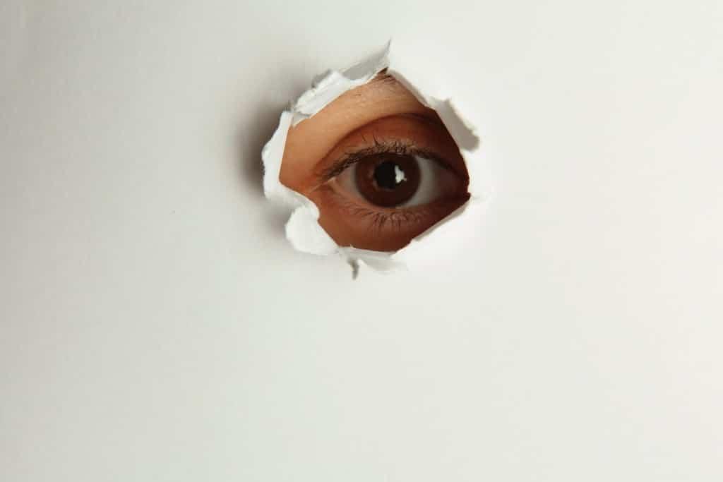 C mo reparar un agujero en una pared de pladur trucos de - Agujero en la pared ...