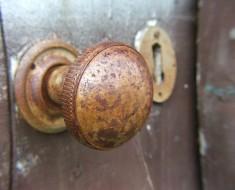Pomo-Puerta