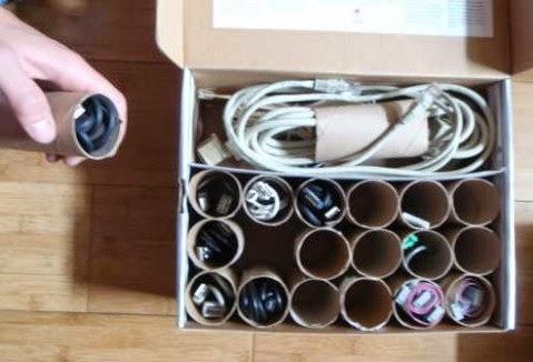 Utiliza Los Rollos De Papel Usados Como Organizadores De Cables