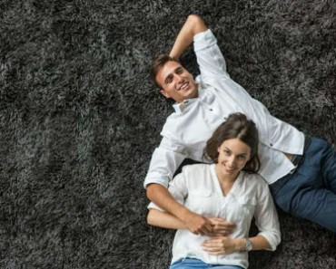 pareja_alfombra