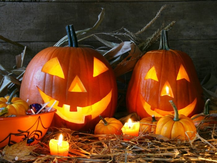 Calabazas halloween calabaza diy pintada a lunares excellent calabaza hechizada vinilo - Decorar una calabaza de halloween ...