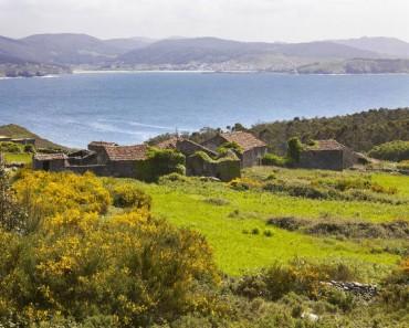 ¿Te has planteado mudarte al rural? En España hay pueblos enteros a la venta, cada vez más baratos