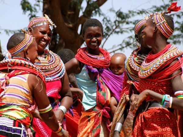 En el Día Internacional de la eliminación de la violencia de la mujer, conoce Umoja: La aldea de las mujeres