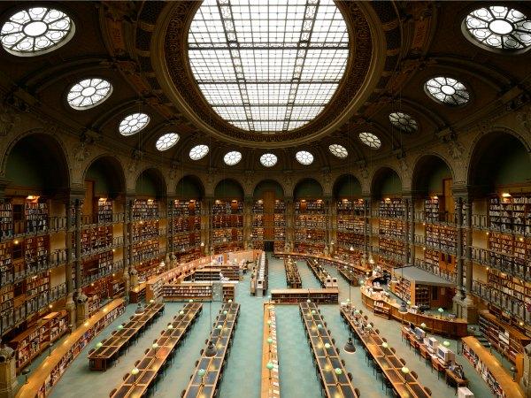 Universidades, bibliotecas, recursos de internet