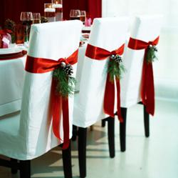 de navidad tradicionales 4 velas rojas que se encienden progresivamente mientras se aproxime la navidad y una blanca en el centro que representa el