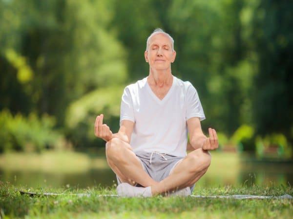 Beneficios yoga cancer prostata