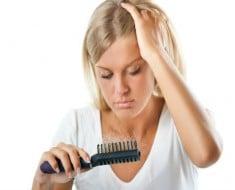 Por qué se cae tanto el pelo después de dar a luz