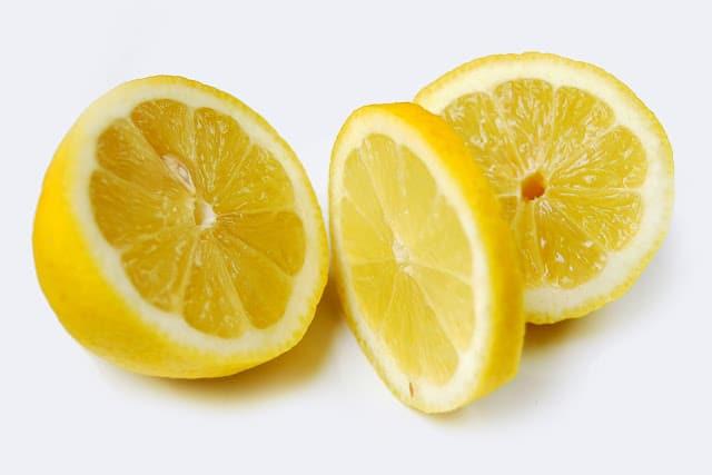 Potabilización del agua con sol y limón
