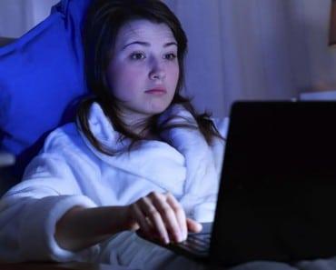 La luz por la noche afecta a nuestro cerebro