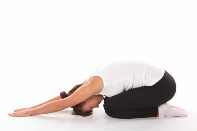 El yoga podría reducir la presión arterial en personas con hipertensión arterial.