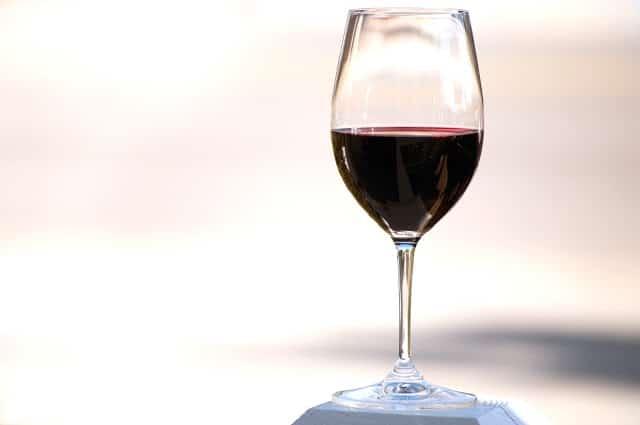 Beber vino puede reducir el riesgo de depresión.