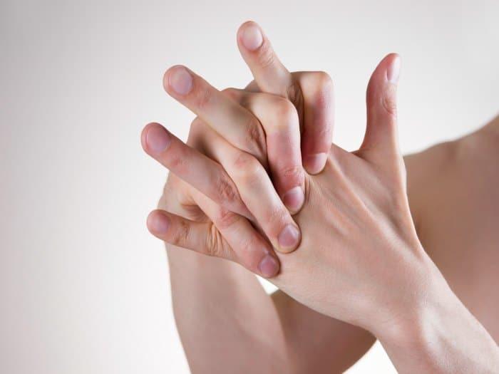 Resultado de imagen de crujirse los dedos
