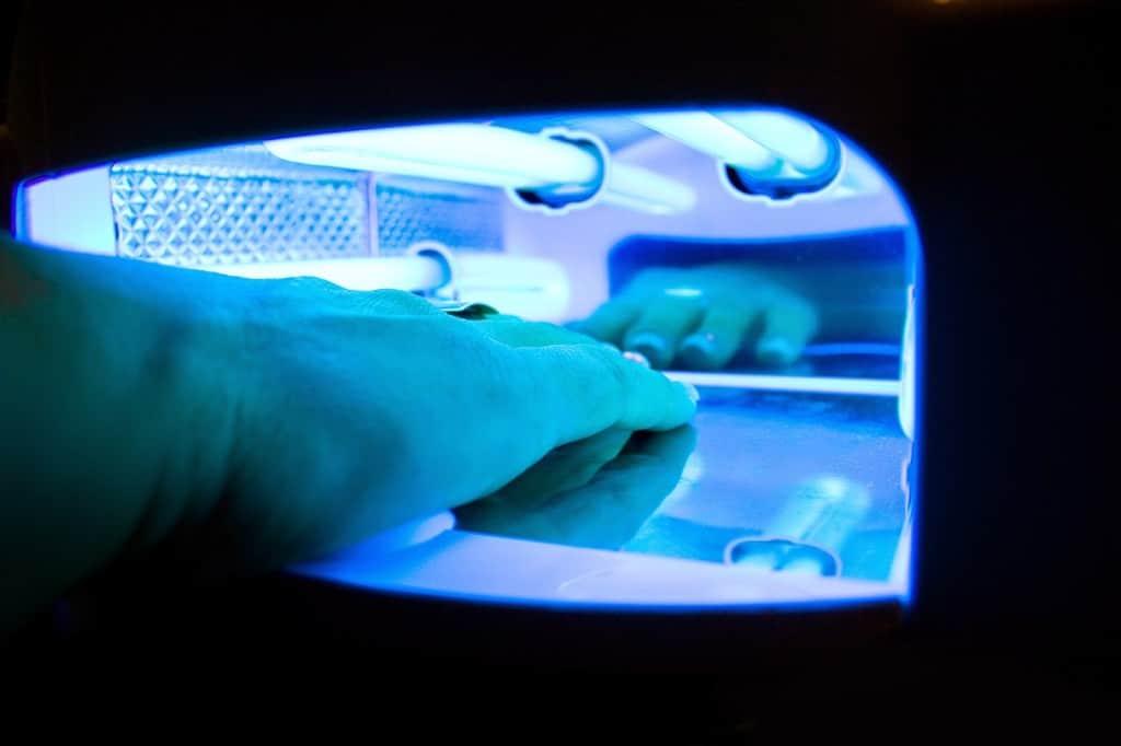 ¿Puede la manicura de gel provocar cáncer de piel?