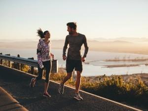 10 beneficios saludables de hacer ejercicio por la mañana