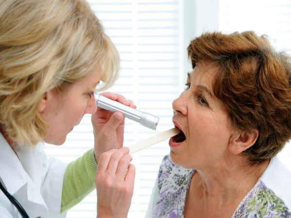 ¿Antibióticos para el dolor de garganta?