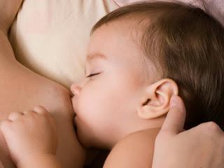 ¿Se puede amamantar a un bebé si tienes VIH?