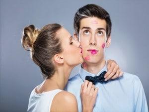 Los increíbles beneficios de los besos para la salud