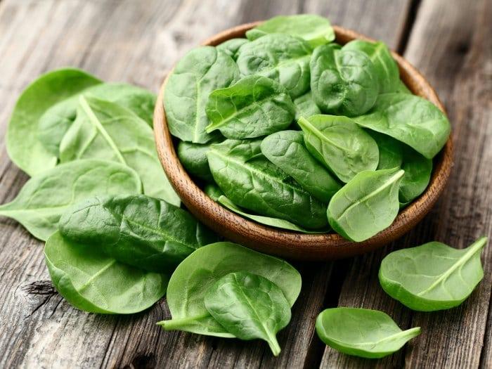 Verduras de hoja verde son beneficiosas para el cerebro