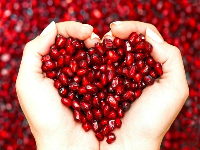 Comer granada mejora la salud de nuestro corazón