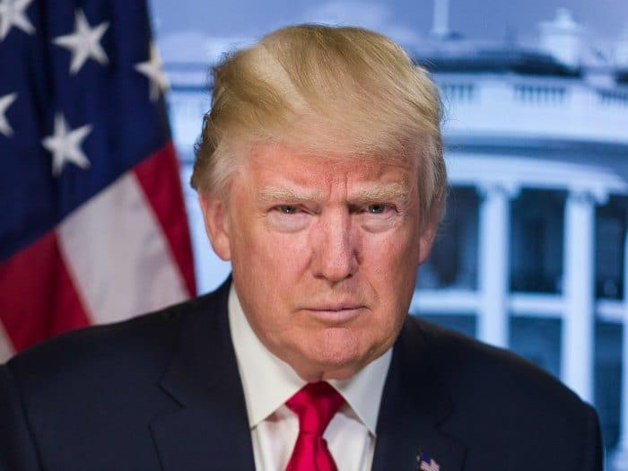 Trump es germófobo