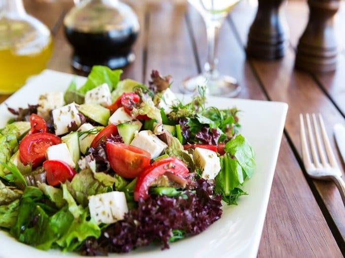 Con las ensaladas tomas más verduras