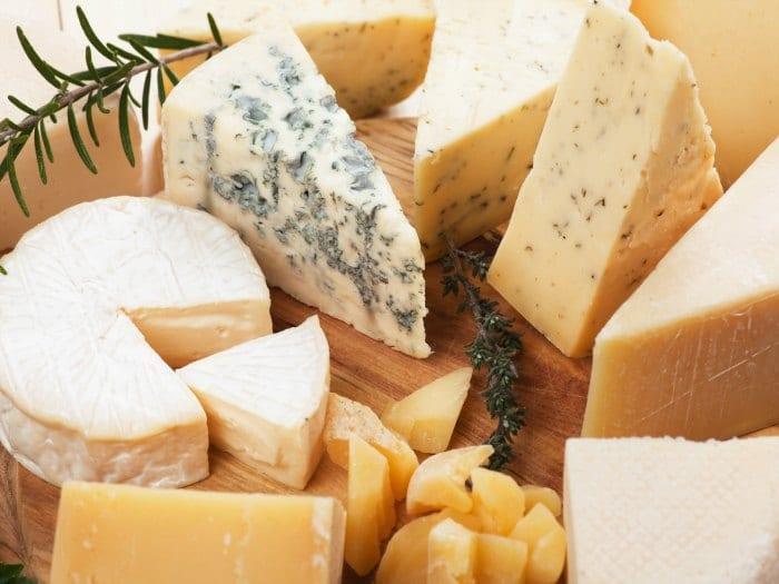 Comer queso no aumenta el colesterol