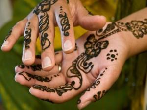 ¡Cuidado con los tatuajes de henna!
