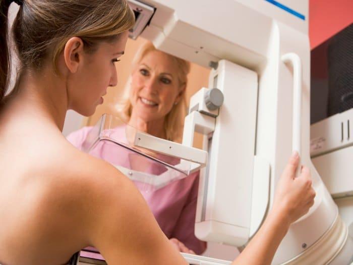 Mamografía para detectar un cáncer de mama
