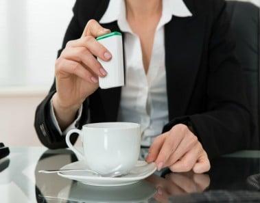 Porqué no deberías tomar sacarina después de una comilona