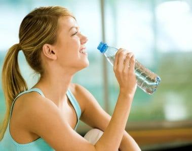 Las aguas con sabor también tienen calorías