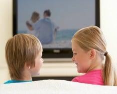 Cómo la televisión puede afectar al sueño de los niños