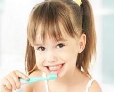 Cómo cuidar los dientes de leche