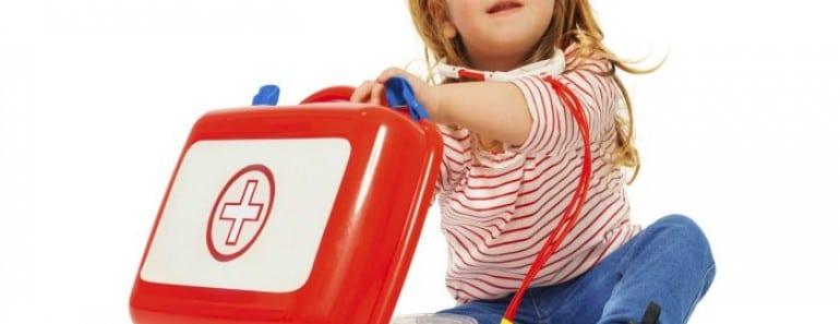 Botiquín de primeros auxilios para salir de viaje con niños