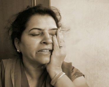 La frecuencia de los ataques de migraña aumenta durante la transición a la menopausia